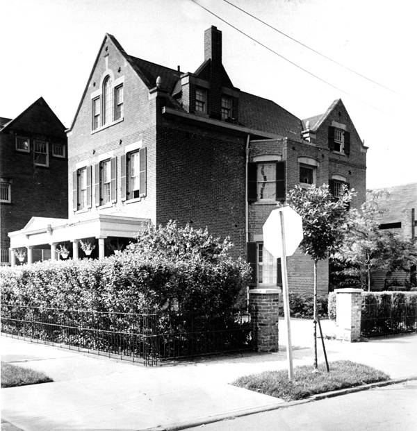 1810_West_28th_Street