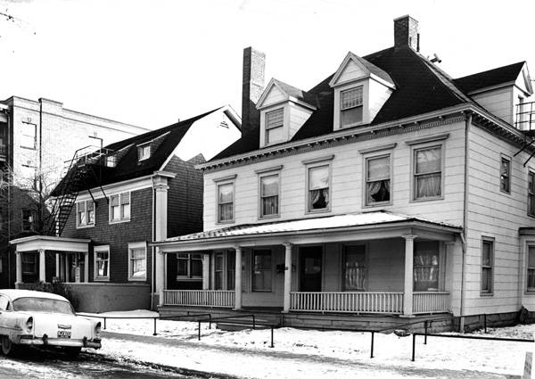 Rehabilitated_properties_on_East_90th_St_in_1964